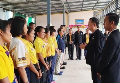 รองเลขาธิการคณะกรรมการโอลิมปิคแห่งประเทศไทย และนายกสมาคมกีฬาปัญจกีฬาแห่งประเทศไทย นำคณะทำงานฯ มาตรวจเยี่ยมนักกีฬาปัญจกีฬาทีมชาติไทยที่เก็บตัวฝึกซ้อม ณ หาดน้ำใส